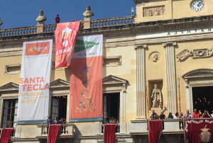 Imatge de la pancarta que s'ha desplegat a l'Ajuntament de Tarragona.