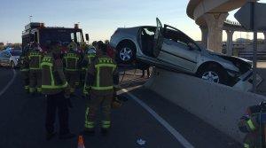 Imatge de l'accident, a la rotonda de les Gavarres de Tarragona.