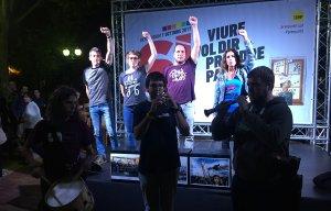 L'acte de la CUP ha finalitzat amb el cant dels Segadors.