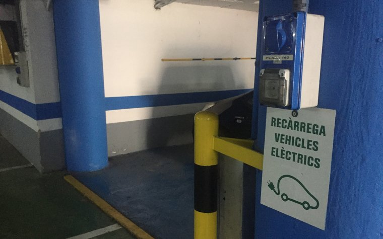 Fins ara només l'aparcament de Saavedra compta amb punts de recàrrega.