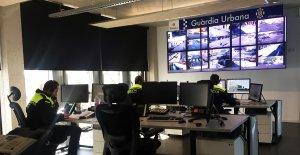 La sala de control de les càmeres de videovigilància de la Guàrdia Urbana de Tarragona.