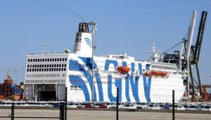 El vaixell Azzurra, atracat al Port de Tarragona.