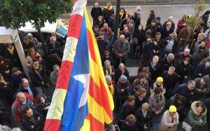 La concentració a Tarragona ha aplegat prop de mig centenar de persones.