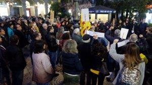 La concentració de Reus ha aplegat prop d'un centenar de persones.