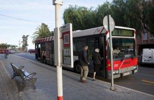 Alguns serveis d'autobus municipal estan interromputs