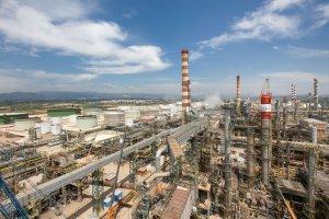 Imatge de les instal·lacions de Repsol a Tarragona