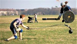 El Jugger es un deporte muy intenso que combina rugby (por la estrategia) con esgrima (por el uso de armas).