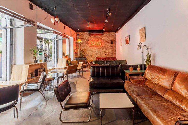 Los 7 mejores bares de copas de barcelona for Tomar algo en barcelona noche