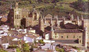 El monasterio de Guadalupe está considerado como una de las estructuras más bellas de España.