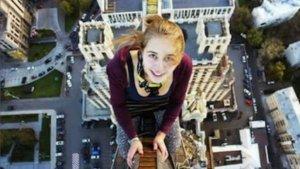 Xenia Ignatyeva se subió a lo alto de un edificio de 80 metros.