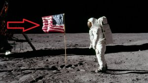 El primer alunizaje ha sido uno de los acontecimientos que más conspiraciones ha desatado; y decimos primero porque el hombre ha llegado varias veces a la Luna.