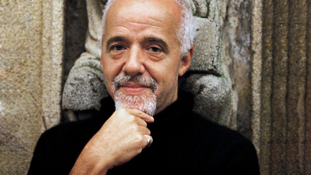 45 Frases De Paulo Coelho Sobre El Amor Y La Vida