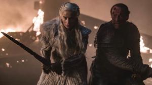 Jorah junto a Daenerys en Juego de Tronos.