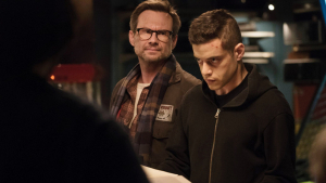 Rami Malek interpreta a Elliot Alderson en Mr. Robot.