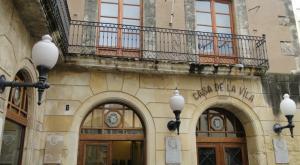 La façana de l'Ajuntament del Vendrell.