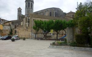 La plaça de la Badalota de l'Arboç.