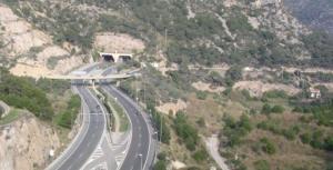 L'autopista C-32, als túnels del Garraf.