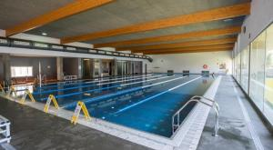 La piscina del CEM Els Joncs de Cunit.