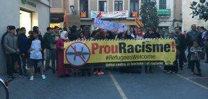 La manifestació, arribant a la plaça Vella.
