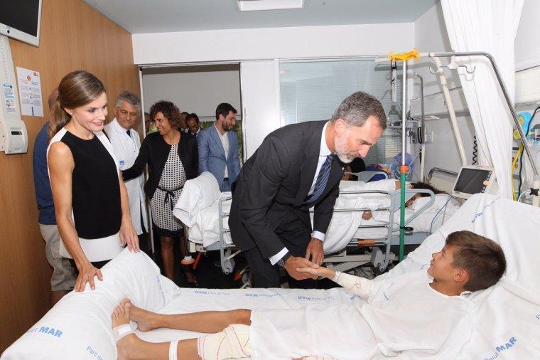 El Rei Felip s'interessa per l'estat del nen del Vendrell ferit a Barcelona.