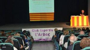 Moment de la xerrada de Pàmies, amb el Teatre El Centre ple a vessar.
