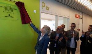 Clara Ponsatí inaugurant l'INS La Talaia de Segur.