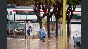 El carrer del Pescador, inundat.