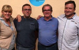 Els membres de la nova junta del CIT, amb el president sortint, Magí Mateu.