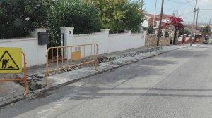 Les obres de renovació de la xarxa d'aigües, a Bellamar.