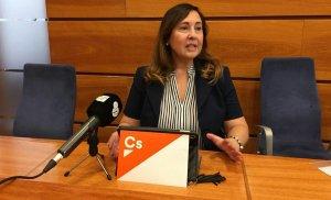 Luz Ramírez, comunicant la seva decisió de trencar l'acord del pressupost.