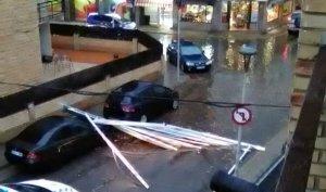 Un dels desperfectes que ha provocat la tempesta, a Calafell.