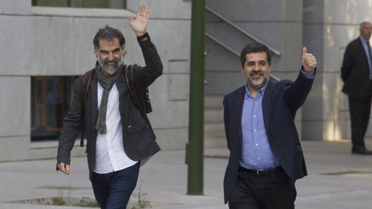Jordi Cuixart i Jordi Sánchez, abans d'entrar a l'Audiència Nacional.