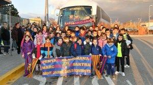 Els alumnes de l'escola Quatre Vents que han anat al Camp Nou.