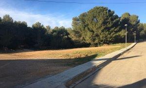 Terreny on es farà el nou aparcament a Segur de Calafell.