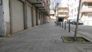 Estat actual del carrer del Mig dels Pisos Planas, sense aigües fecals.
