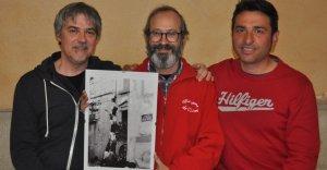 Jaume Ventura, Pedro Osorio i Laureà Inglada, amb la fotografia inèdita d'un intent de pilar de sis dels Nens del Vendrell.