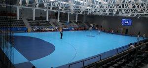 El partit inaugural al renovat pavelló del CE Vendrell.