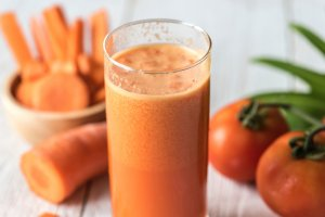 Los zumos es una opción muy práctica para incluir más cantidades de fruta a nuestra dieta.