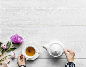"""En algunos lugares se conoce como """"té de tila"""" a la infusión elaborada con la flor del tilo."""