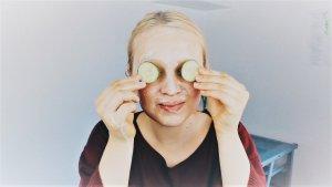 La cosmética natural o ecológica, como las mascarillas y cremas caseras son una opción ideal para cuidar nuestra piel.