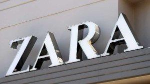 Imagen de archivo de un cartel de la firma de moda Zara