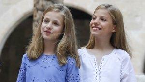 La princesa Leonor y la infanta Sofía en el tradicional posado en Palma