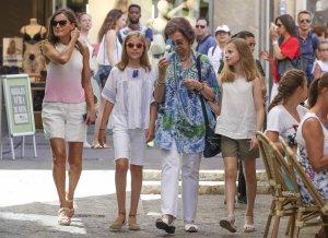 La reina Letizia, doña Sofía, la princesa Leonor y la infanta Sofía