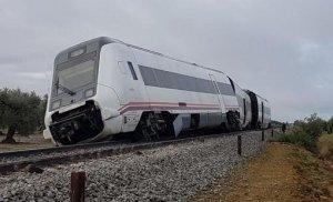 Las fuertes lluvias han provocado el descarrilamiento de un tren en Andalucía, dejando 7 heridos