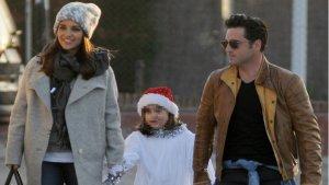 Paula Echevarría y David Bustamante junto a su hija en unas navidades pasadas