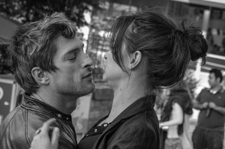 signs a pisces guy likes you