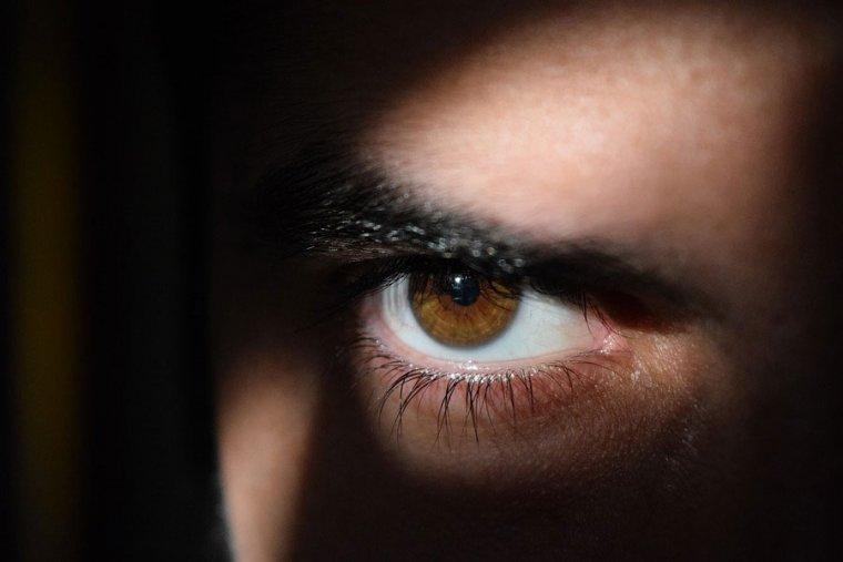 Qué es el mal de ojo y cómo eliminarlo