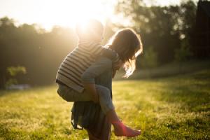 Impulsiva, enérgica, honesta, ególatra... Así eres si eres una madre Aries