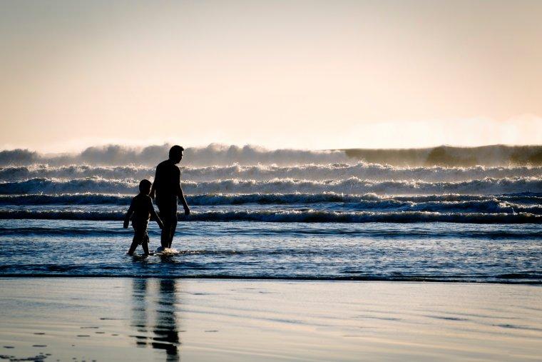 Las aventuras y el placer de la naturaleza: así es el padre Sagitario
