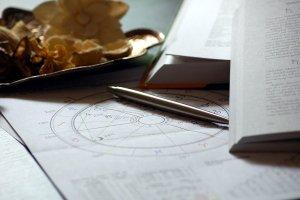 Descubre las 12 casas astrológicas del Zodiaco